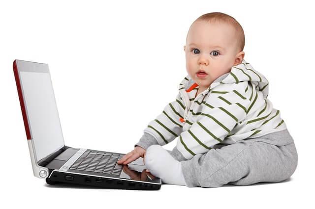 Bebê usando WordPress